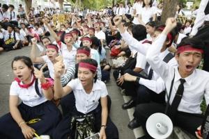อวสาน มหาฯลัยไทย ใบปริญญาสำคัญไฉน?