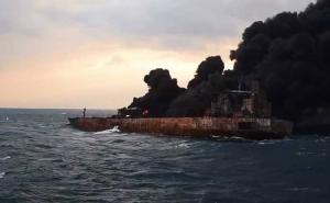 """กู้ภัยจีนเก็บ """"กล่องดำ"""" จากเรือบรรทุกน้ำมันอิหร่านได้แล้ว พบศพลูกเรืออีกสอง"""