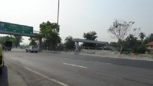 ทางหลวงเพิ่งตื่นหลังพระต้องสังเวยชีวิตข้ามถนนบิณฑบาต เพราะสะพานลอยพังร่วมปีไม่ซ่อม