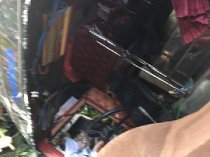 ระทึก..บัสเบรกแตกตกถนนหน้าวัดพระธาตุดอยสุเทพ นักท่องเที่ยวจีนเจ็บระนาว