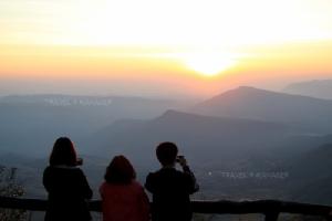 """มา """"เลย"""" แล้วจะหลง (รัก) ชมพระอาทิตย์บนภู ดูวิวงามริมฝั่งโขง"""