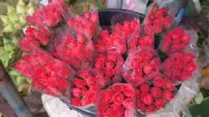 กุหลาบแพง ร้านดอกไม้นครปฐมไม่คึกคัก