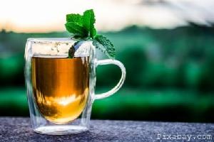 """""""ดื่มชาร้อนจัด"""" : เพิ่มความเสี่ยงมะเร็งหลอดอาหาร!? / ปานเทพ พัวพงษ์พันธ์"""