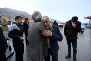 ยังไม่เจอซากเครื่องบินโดยสารชนเขาพร้อม 66 ชีวิต ทีมกู้ภัยอิหร่านค้นหาต่อ หลังหยุดช่วงกลางคืน แถมหิมะ-ฝนตกหนัก