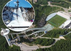ต่างชาติทึ่ง!! สนามฟุตบอลพ่วงสกีจัมป์แห่งแรกของโลกที่