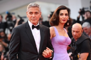 Clooneys donate $500,000 to student gun reform march