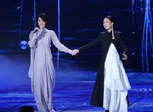"""""""กาลเวลา"""" เพลงเปิดรายการคืนตรุษจีนจากตัวแม่แห่งวงการบันเทิง """"เฟย์ หว่อง - น่า อิง"""""""