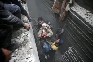 ฝูงบินรบดาหน้าถล่มรังกบฏชานเมืองหลวงซีเรีย 5 วันติด ตายเกลื่อน 400 ศพ-ผู้คนต้องหลบอยู่ใต้ดิน