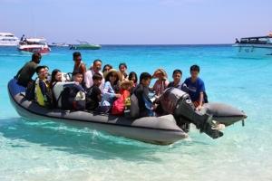 เอาจริง! เจ้าท่าพังงาคุมเข้มเรือบรรทุกนักท่องเที่ยวไม่ปลอดภัย ห้ามออกจากท่าเด็ดขาด