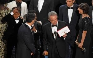 """คาด 2 ตำนานฮอลลีวูดขอแก้ตัว ขึ้นเวทีออสการ์ประกาศ """"ภาพยนตร์ยอดเยี่ยม"""" ในปีนี้อีกครั้ง"""