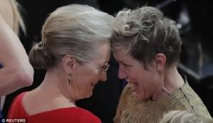"""""""ฟรานเซส แมคเดอร์มานด์"""" ใจหายเจอโจรขโมยออสการ์สาขานำหญิงกลางงานปาร์ตี้ ก่อนโดนรวบตัวได้ทันเวลา"""