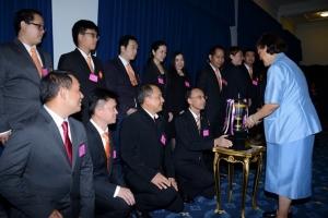 ไทยออยล์เฝ้าทูลละอองพระบาทรับพระราชทานถ้วยรางวัลจากสมเด็จพระเทพฯ