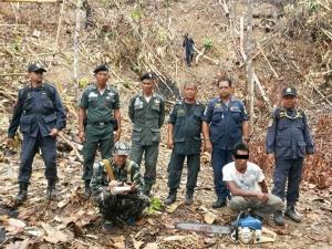 กำลัง 3 ฝ่ายบุกจับผู้ลักลอบตัดไม้บนยอดเขาสะบ้าย้อย พบป่าถูกแผ้วถางกว่า 4 ไร่