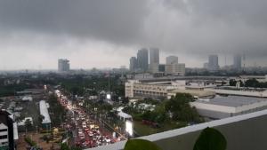 อุตุฯ เตือนพายุฤดูร้อนลมกระโชกแรง-ลูกเห็บตกไทยตอนบน กทม.ฉ่ำฝนร้อยละ 70