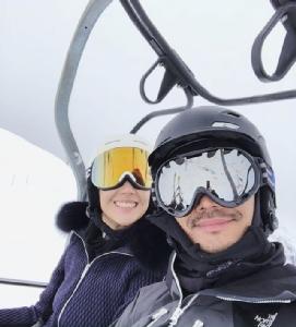ครั้งแรกยังฟินขนาดนี้! นาม-ปรมา ควงพี่ชายสุดเลิฟเล่นสกีที่อิตาลี
