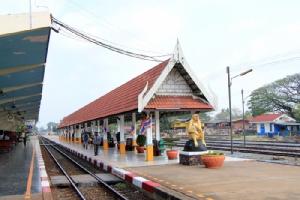 """นั่งรถไฟไป """"ลพบุรี"""" เยือนราชธานีแห่งที่ 2 สมัยพระนารายณ์"""