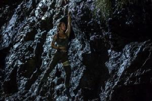 Tomb Raider สนุก สมศักดิ์ศรีการรีบู๊ต