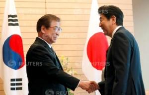 """""""อาเบะ"""" บอกเกาหลีใต้ เจรจาเกาหลีเหนือต้องเคลียร์เรื่อง """"ลักพาตัวชาวญี่ปุ่น"""" ด้วย"""