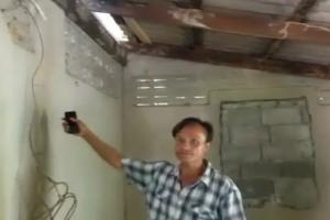 เจ้าของบ้านที่กระบี่เศร้าหนัก โจรแสบขึ้นบ้านขโมยสายไฟเกลี้ยง แม้แต่เสียมแทงปาล์มยังเอา