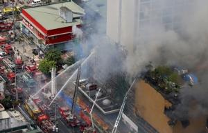 In Pics : ไฟไหม้โรงแรมชื่อดังกลางกรุงมะนิลา ย่างสด 4 มีบางส่วนติดอยู่ข้างใน อพยพวุ่นหลายร้อย