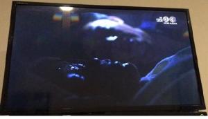 """ฮาสนั่น! ตัวประกอบละคร """"คมแฝก"""" ถ่ายคลิปอวดโซเชียลฯ ดีใจแต่งเป็นศพ นอนในโลงเดียวกับ """"หมาก ปริญ"""""""