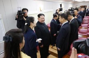 """In Pics : หาดูยาก! ชมภาพภายในขบวนรถไฟกันกระสุนของท่านผู้นำ """"คิม จองอึน"""""""