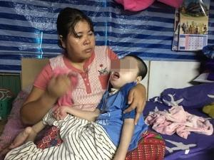 หวังได้ยินลูกเรียกแม่สักคำ! สุดเวทนา แม่ชาวไทใหญ่เลี้ยงลูกพิการ 13 ปีไม่เคยห่างอก(ชมวิดีโอ)