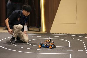 โตโยต้า ทูโช จัดประกวดซอฟต์แวร์คุมรถยนต์จำลองไร้คนขับ