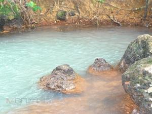 """เคยเห็นรึยัง? น้ำตกกลางเกาะแห่งเดียวในไทย ลองมาสัมผัสได้ที่ """"น้ำตกโต๊ะเซะ"""""""