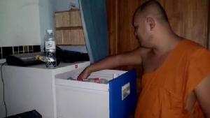 วงจรปิดจับภาพคนร้ายขณะงัดกุฏิพระลูกวัดใน จ.จันทบุรี ก่อนฉกเงินแสนหนีลอยนวล