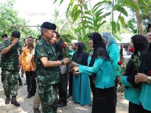 แม่ทัพ 4 ลงเยี่ยมมวลชนคนเสื้อเขียว พร้อมหนุนขยายเครือข่ายครบ 14 จังหวัดภาคใต้