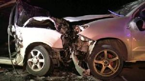พังยับทั้งคู่ กระบะชนประสานงากลางถนนบุรีรัมย์ ปางตายติดในซากรถ 3 ราย