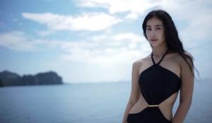 """""""มิ้นต์ ชาลิดา"""" จัดชุดว่ายน้ำรัวๆ ก่อนนุ่งชุดไทยแห่นางสงกรานต์ เผยจัดให้ดูฟรีๆ ไม่รับงานเซ็กซี่"""