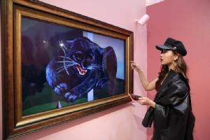 """เสพศิลป์งานคูลๆ คนดังโชว์ผลงานศิลปะที่ """"MUSEUM OF ME"""""""