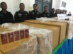 ตร.ปัตตานีแถลงข่าวกวาดล้างอาชญากรรมห้วงสงกรานต์ จับยาบ้าบุหรี่เถื่อนพร้อมผู้ต้องหา 5 คน