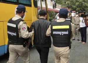 ตำรวจเขมรบุกจับชาวจีน 119 ราย ต้องสงสัยตุ๋นเงินเหยื่อทางเน็ต