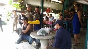 รวบทันควัน 3 หนุ่มพม่าล็อกคอแหม่มสาวเวียนเทียนใต้ต้นมะขามกลางดึก