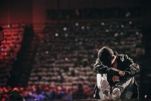 """ที่สุดแห่งความฟิน!! อินไปกับความรักใน """"เป๊ก ผลิตโชค เฟิร์สเดท คอนเสิร์ต"""""""