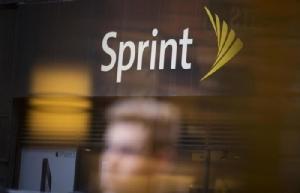 ดีลยักษ์ T-Mobile ตกลงซื้อ Sprint
