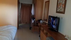 ผงะ! ตร.ภาค 6 แขวนคอตายคาบันไดโรงแรมดังกลางเมืองแม่สอด