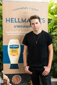 """""""เฮลล์แมนส์"""" มายองเนสอันดับหนึ่งของโลกถ่ายภาพยนตร์โฆษณาในไทย """"ลูค โทมัส"""" หัวหน้าเชฟอายุน้อยที่สุดในอังกฤษร่วมแสดงนำ"""