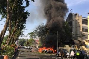 วางระเบิด 3 โบสถ์คริสต์ในอินโดนีเซีย คนตายเกลื่อน-คาดกลุ่มหนุนไอเอสทำ