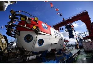อายุเป็นเพียงตัวเลข! คุณปู่วัย 82 โดดลงยานสำรวจท้องสมุทร ดำดิ่งลงสำรวจทะเลจีนใต้ลึก 1,400 เมตร