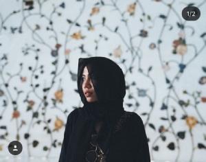 """สาวแขก """"หญิงแม้น"""" สวมชุดเดรสอิสลามเยือนดูไบ"""