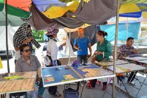 ตลาดเรดซิตี้คึกรับวันหวยออก ด้านเจ๊เกียวร้องขอให้ผู้นำกองสลากมอบโควตาให้แม่ค้าเมืองกาญจน์ด้วย