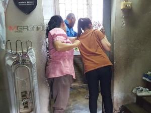 ตัวเงินตัวทองบุกห้องครัวทำเจ้าของบ้านหนีกระเจิง กู้ภัยหาดใหญ่ช่วยจับไม่ง่าย