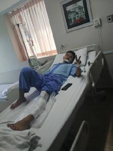 ลุงเดือดด่าคนเจ็บ! เหตุไม่พอใจทำรถจักรยานยนต์ตนเสียหาย