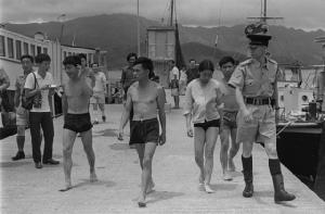 """40 ปี จีนปฏิรูปและเปิดประเทศ : ว่ายน้ำไปยังเป็นหมู่บ้านฯ มองกลับมาคือ """"มหานคร"""""""
