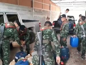ทหารปูพรมกวาดล้างน้ำมันเถื่อนชายแดนไทย-มาเลเซีย ยึดของกลางกว่า 1 หมื่นลิตร