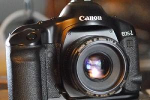 Canon ทิ้ง Nikon ปิดฉากเลิกขายกล้องถ่ายรูปฟิล์ม